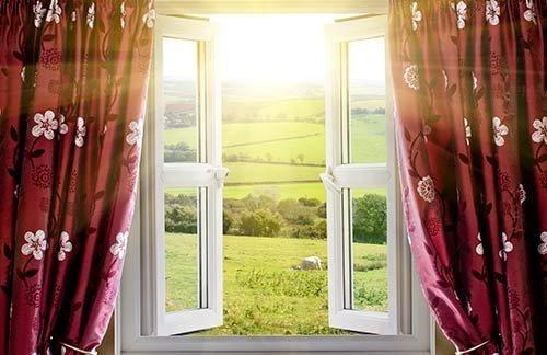 k-chemu-snitsya-okno