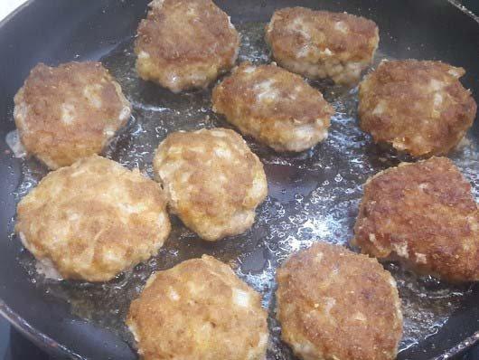 Котлеты из фарша рецепт с фото на сковороде сочные пошаговый рецепт с фото