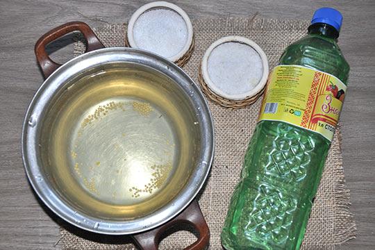 добавить в воду соль, сахар, уксус