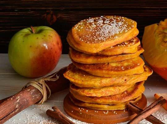 Оладьи из тыквы с яблоками