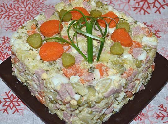 салат Оливье готов