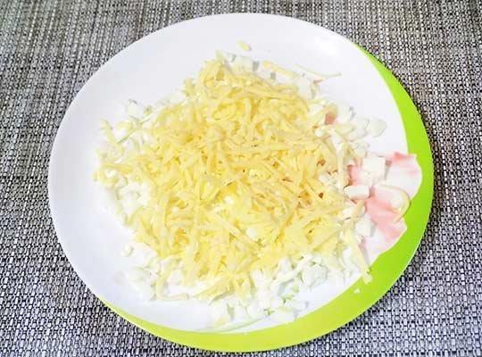 второй слой - сыр
