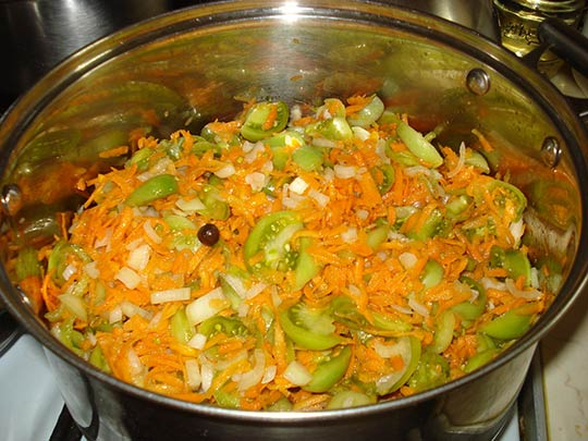 ставим салат на плиту