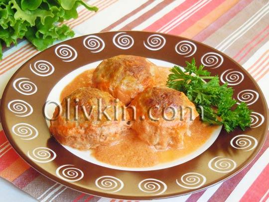 тефтели со сливочно-томатной подливкой