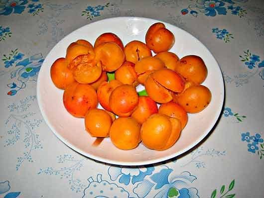 очистить абрикосы