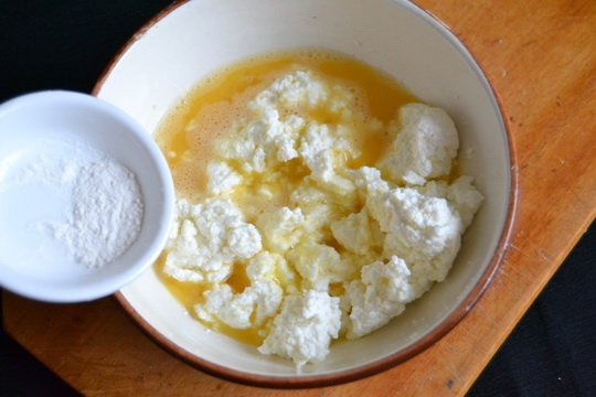 добавляем соль сахар